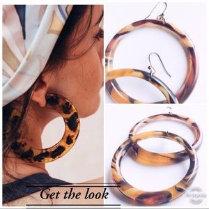 Jewelry - Tortoise Style Resin Round Large Hoop Earrings